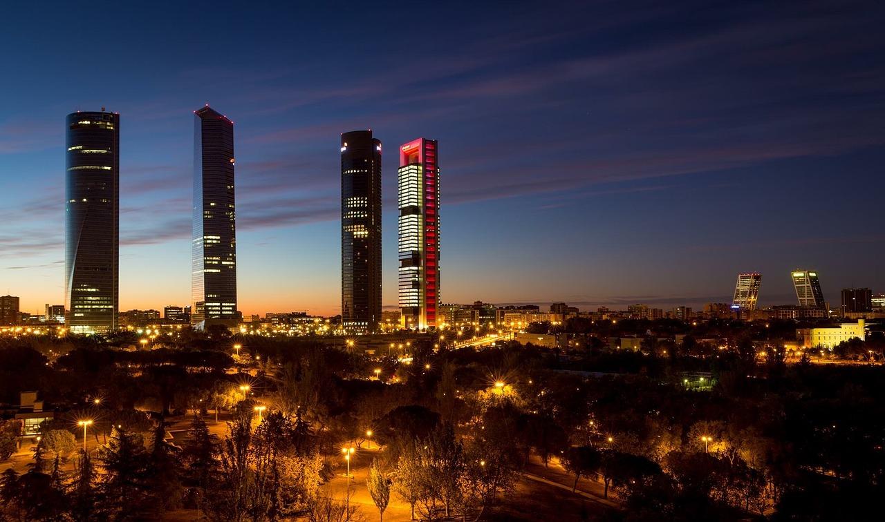 El hólding empresarial de Emilio Cuatrecasas apostará por una mayor rotación de activos en busca de rentabilidades más altas. La compañía invirtió 38,5 millones de euros en 2017 en la compra de terrenos en Barcelona.