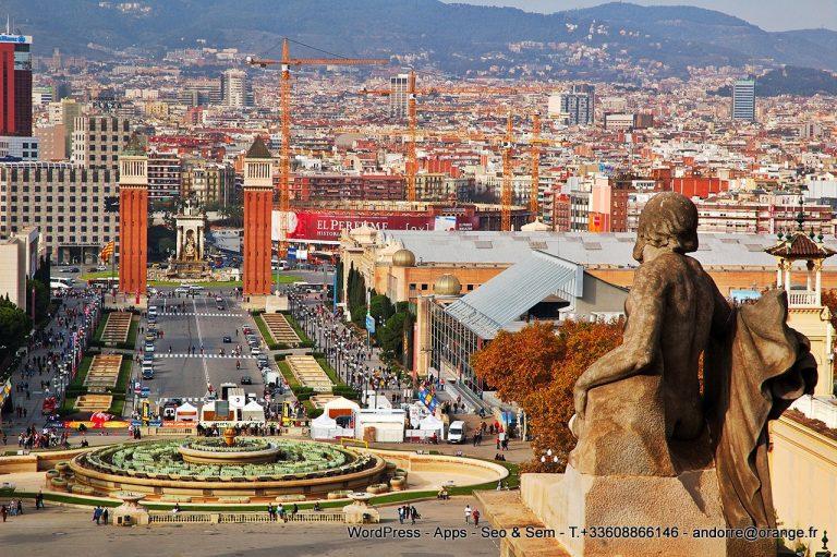 En el primer trimestre de 2019 ha quedado demostrado que Barcelona ha recuperado, por fin, su estatus como uno de los principales focos de inversión inmobiliaria en España, algo que ya se veía venir tras un 2018 que ha sido positivo para el mercado español del real estate y, en concreto, para el de la capital catalana. Echando mano de nuestros resultados durante los tres primeros meses de este año, se disipa toda duda: el mercado vuelve a confiar en la ciudad (hemos triplicado las ventas) y a situarla en el candelero inmobiliario tras las reticencias derivadas del 1-O.Se mantiene elevadísimo el interés de compradores internacionales, siguen siendo más de la mitad quienes compran con fines inversores y se van añadiendo a la rueda perfiles cada vez más jóvenes que renuevan el mercado y que hacen que no sólo hablemos de ventas, sino de un interés muy creciente por el alquiler de viviendas de calidad en zonas codiciadas.Las grandes beneficiadas son, de todos modos, las viviendas de obra nueva, cuyas ventas han aumentado -sólo en los primeros dos meses de 2019- en un 18% en la provincia de Barcelona, en comparación con el mismo período de 2018, según el INE.Hay varios factores que explican este previsible repunte. El primero es el indiscutible estatus de Barcelona como 'hub' tecnológico y financiero global. Un polo que atrae a un perfil profesional muy dinámico, interesado en el número creciente de empresas innovadoras y líderes en el sector tecnológico como Amazon o Facebook que se han establecido en una ciudad que se está convirtiendo rápidamente en el Silicon Valley de Europa y que, pese a los contratiempos vividos, ha conseguido conservar su condición de sede del Mobile World Congress.Un contexto que genera una seductora constelación de startups y proyectos de alto perfil tecnológico, que se combina con una elevada calidad de vida urbanita y que atrae a muchos inversores extranjeros.Esto nos lleva al segundo factor: el 'millennial' como nuevo comprador o arrendatario