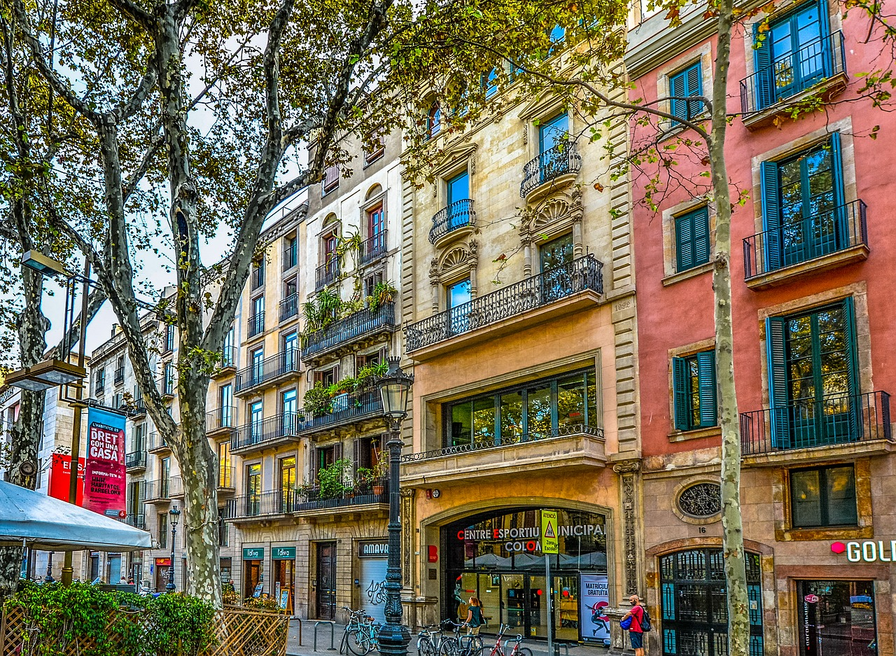 This loft is on the top floor of a five-story former textile factory built in 1826 in the Old Town section of Barcelona - House Hunting Barcelona Catalunya Spain